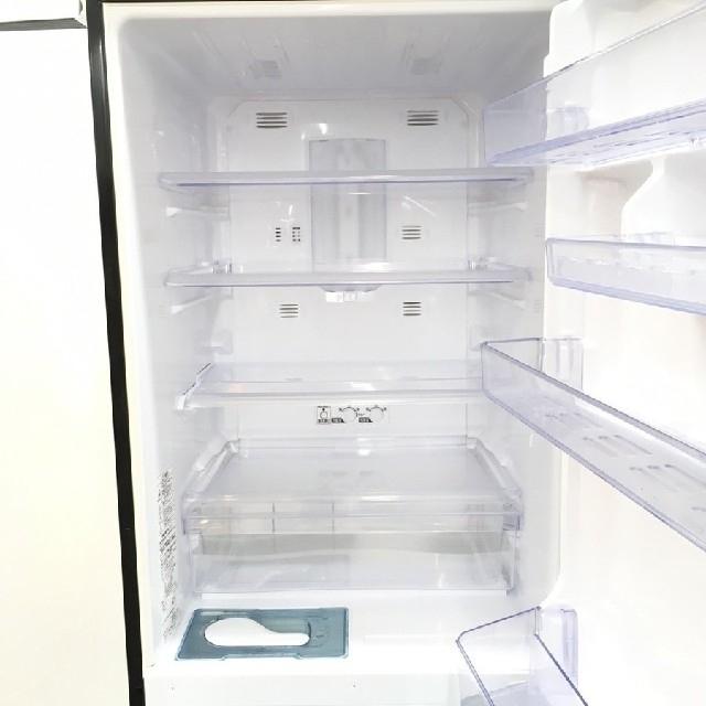 三菱(ミツビシ)の冷蔵庫 人気のブラック 三菱 スリムタイプ ファミリーサイズ スマホ/家電/カメラの生活家電(冷蔵庫)の商品写真