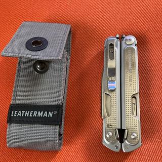 レザーマン(LEATHERMAN)の美品 レザーマン FREE P4 マルチツール 十徳ナイフ(その他)