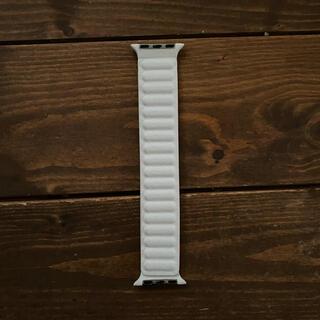アップルウォッチ(Apple Watch)のApple Watch ホワイト レザー バンド(腕時計(デジタル))