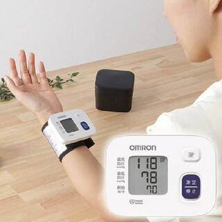 OMRON - オムロン血圧計 手首式 新品