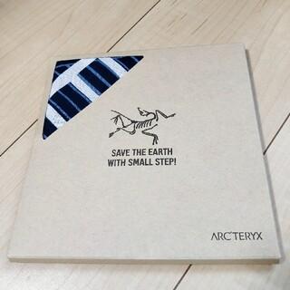 アークテリクス(ARC'TERYX)の新品未使用アークテリクスARC'TERYXハンカチバンダナ青ブルー※箱に難あり(登山用品)
