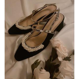 ロキエ(Lochie)のfrench retro pearl shoes(サンダル)