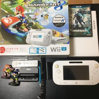 ウィーユー(Wii U)のNintendo Wii Uソフト、コントローラー、ペン、リモコン、amiibo(家庭用ゲーム機本体)