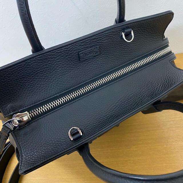 TOD'S(トッズ)の美品 トッズ ダブルT 2WAY ハンドバッグ 黒 サッチェル ☆フェンディ レディースのバッグ(ハンドバッグ)の商品写真