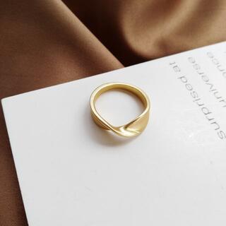 マットゴールド リング 指輪 レディース ツイスト ひねり 韓国 RIN01(リング(指輪))