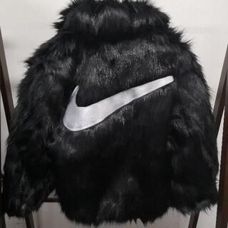 ナイキ(NIKE)のAMBUSH × NIKEフェイクファー コート 男女兼用 Mサイズ(毛皮/ファーコート)