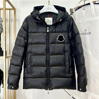 MONCLER - ..全新未使用   Moncler ダウンジャケット