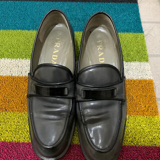 プラダ(PRADA)のプラダ ローファー (ローファー/革靴)