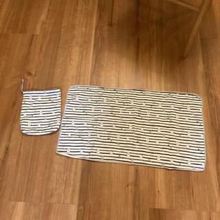 ニシマツヤ(西松屋)の巾着付きオムツ替えシート しろくま(おむつ替えマット)