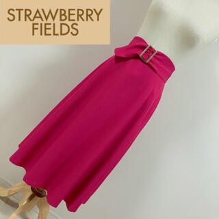 ストロベリーフィールズ(STRAWBERRY-FIELDS)のストロベリーフィールズ ベルト付きミモレ丈スカート ピンク(ロングスカート)