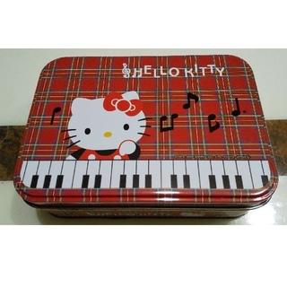 ハローキティ(ハローキティ)のハローキティ 缶ケース 小物入れ メロディー ピアノ 赤チェック柄 キティちゃん(キャラクターグッズ)