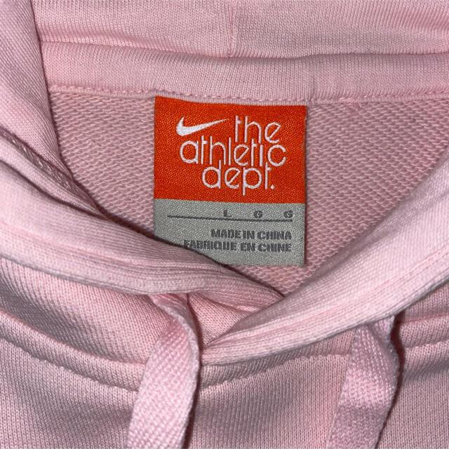 NIKE(ナイキ)のNIKE フード付きロゴパーカー 美品 レディースのトップス(パーカー)の商品写真