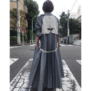 Ameri VINTAGE - 【新品・未使用】定価3万1000円 バックプリーツトレンチ