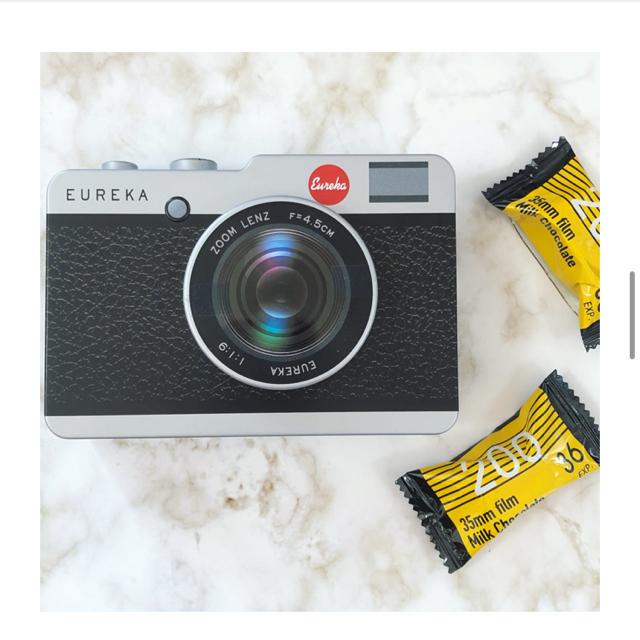 KALDI(カルディ)のカメラ缶 チョコレート 黒 望遠レンズタイプ 食品/飲料/酒の食品(菓子/デザート)の商品写真