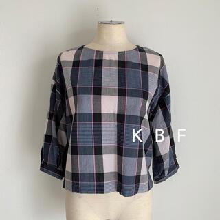 KBF - KBF チェックタックスリーブプルオーバーブラウス