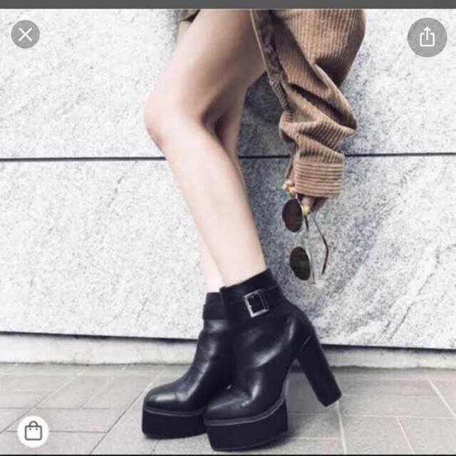 ENVYM(アンビー)の 週末値下げ!ENVYM スクエアベルト ショートブーツ レディースの靴/シューズ(ブーツ)の商品写真