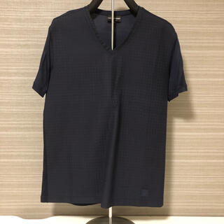 Armani - 独特な素材 Vネック Tシャツ アルマーニ Sサイズ