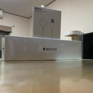 アップル(Apple)のApple WatchSE(腕時計)