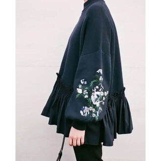 Ameri VINTAGE - CLANE  クラネ EMBROIDERY FRILL KNIT TOPS