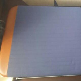 キャスター付き折り畳みベッド 送料無料(簡易ベッド/折りたたみベッド)