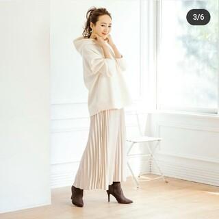 しまむら  星玲奈  コラボ  サテンプリーツスカート  Mサイズ