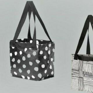 イケア(IKEA)のIKEA人気のバッグ シリーズ♡ フィスラ &ドット柄 Sサイズ 2枚セット(エコバッグ)