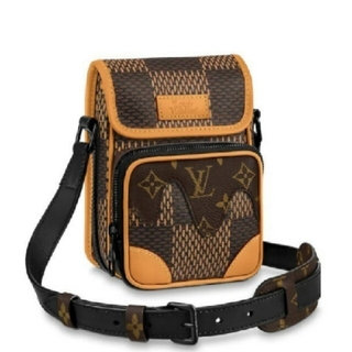 LOUIS VUITTON - louis vuitton nigo AMAZONE MESSENGER Bag