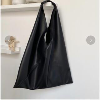 マルタンマルジェラ(Maison Martin Margiela)のchuclla Triangle  soft leather bag  (ショルダーバッグ)
