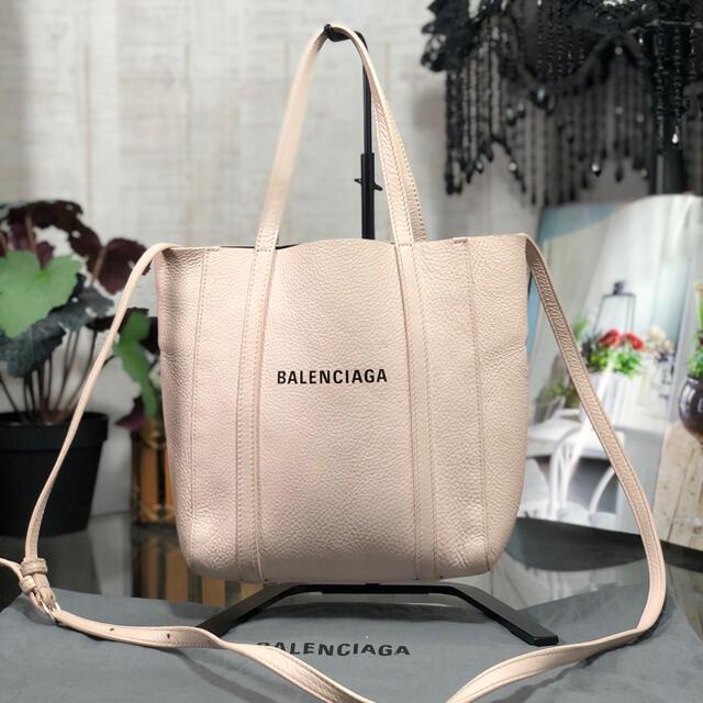 Balenciaga(バレンシアガ)のBALENCIAGA エブリデイトート ベビーピンク バレンシアガ レディースのバッグ(トートバッグ)の商品写真