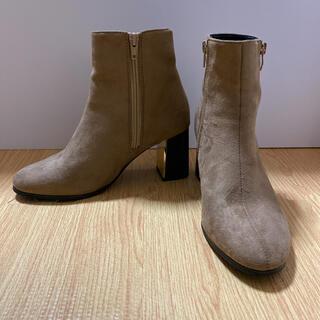 ギャルスター(GALSTAR)のサイドジップ リエディ ショートブーツ ブーツ ブーティ ベージュ Mサイズ(ブーツ)
