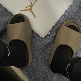 アディダス(adidas)のアディダス イージースライド YEEZY SLIDE  スリッパ○(その他)