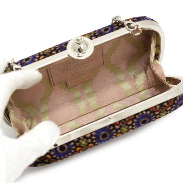 Vivienne Westwood(ヴィヴィアンウエストウッド)の未使用 ヴィヴィアンウエストウッド チェーン クラッチ パーティバック 総柄 レディースのバッグ(ショルダーバッグ)の商品写真