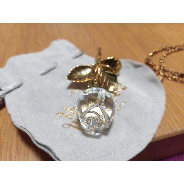 Vivienne Westwood(ヴィヴィアンウエストウッド)のヴィヴィアンウエストウッド スワロフスキー ネックレス ブローチ ゴールド レディースのアクセサリー(ネックレス)の商品写真