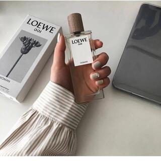 ロエベ(LOEWE)のロエベ 001 香水 ウーマンパルファム 5ml (ユニセックス)