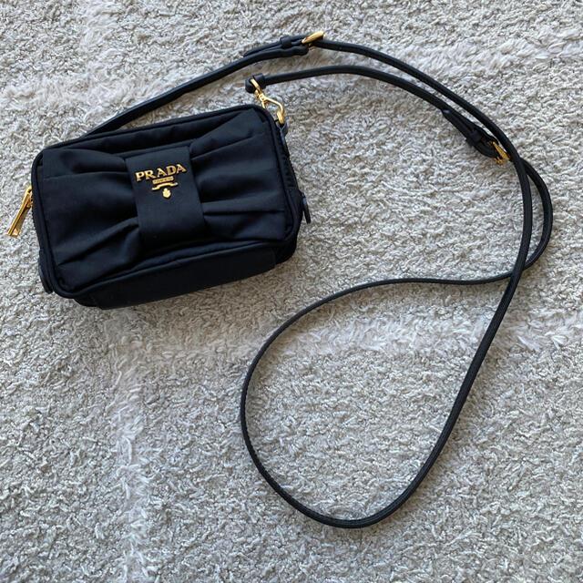 PRADA(プラダ)のプラダ ショルダーバッグ 黒 レディースのバッグ(ショルダーバッグ)の商品写真