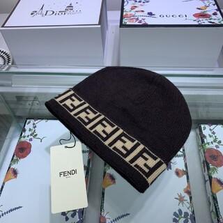 FENDI - ★人気品★ FENDI❀フェンデイ 帽子 ニット帽 男女兼用