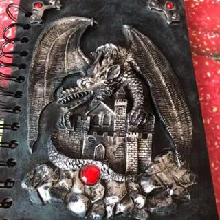 雑貨彫刻ノートアンティーク黒魔術好きにも魔法書ドラゴン龍ビンテージ 23年前の物(彫刻/オブジェ)