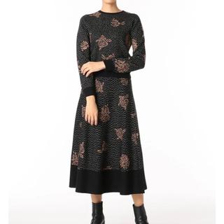 グレースコンチネンタル(GRACE CONTINENTAL)のローズ刺繍ニットTOP &スカート(セットアップ)
