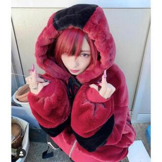 ミルクボーイ(MILKBOY)のTRAVAS TOKYO Drip Logo Faux Fur パーカー  新品(パーカー)