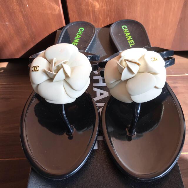 CHANEL(シャネル)のChanel シャネル カメリア ラバーサンダル 37 レディースの靴/シューズ(ビーチサンダル)の商品写真
