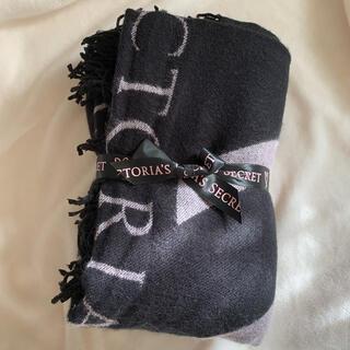 ヴィクトリアズシークレット(Victoria's Secret)のヴィクトリアシークレット ブランケット ヴィクシー 膝掛け 毛布 VS(毛布)