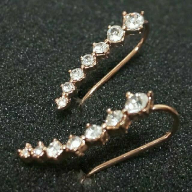 SWAROVSKI(スワロフスキー)のf31🌸ギリア🌸7粒ダイヤモンドキュービックジルコニア ピアス 18金RGP レディースのアクセサリー(ピアス)の商品写真