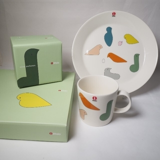 イッタラ(iittala)の【新品】iittala ミナペルホネン コラボ マグカップ&プレート(食器)