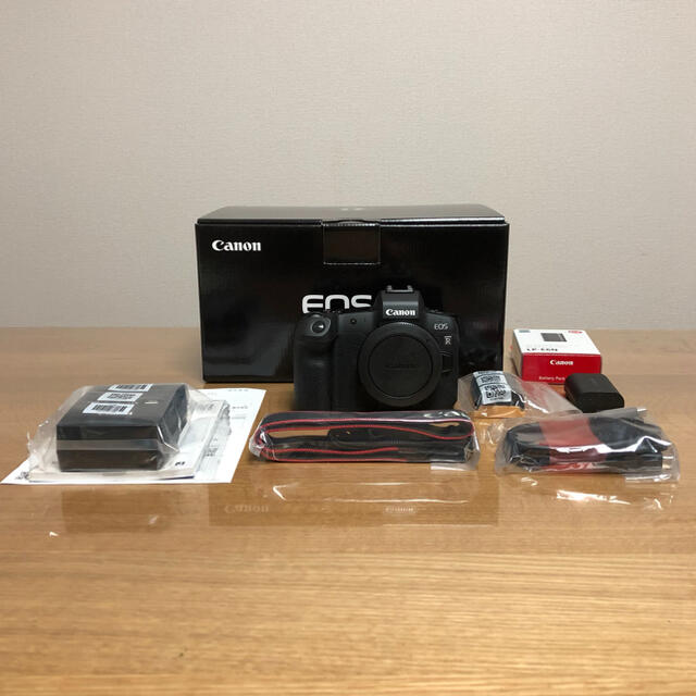 Canon(キヤノン)の美品 キャノン Canon EOS R ボディ 予備バッテリー付き スマホ/家電/カメラのカメラ(ミラーレス一眼)の商品写真