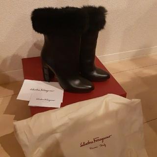 サルヴァトーレフェラガモ(Salvatore Ferragamo)のFerragamo ブーツ(ブーツ)