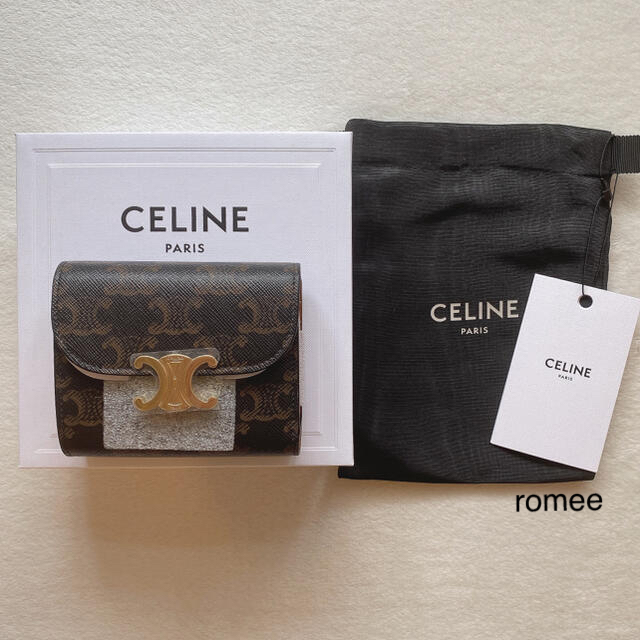 celine(セリーヌ)の新品 CELINE トリオンフ スモールフラップウォレット タン レディースのファッション小物(財布)の商品写真
