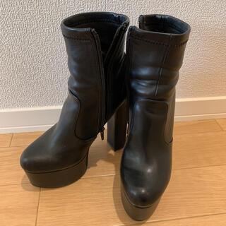 アールアンドイー(R&E)のR&E★厚底ショートブーツ ブラック(ブーツ)