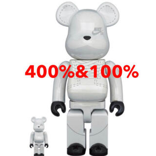 MEDICOM TOY - BE@RBRICK NIKE SB 2020 WHITE 400% 100%