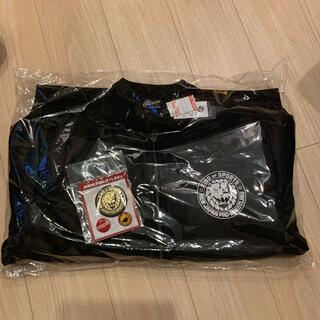 シマムラ(しまむら)の新日本プロレス 福袋 ジャケット・缶バッチ2点セット(格闘技/プロレス)
