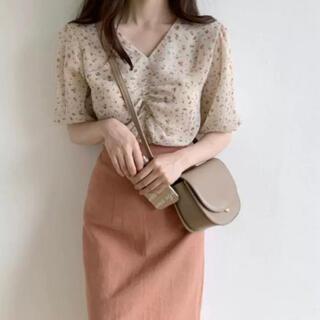 韓国ファッション ブラウス トップス 小柄 花柄 可愛い 人気 夏セール